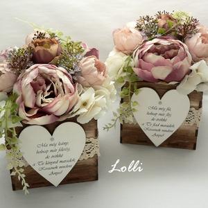 Vintage boglárkás szülőköszöntő virágdobozok párban, Esküvő, Otthon & lakás, Meghívó, ültetőkártya, köszönőajándék, Lakberendezés, Asztaldísz, Esküvői csokor, 11x11x18cm /virágokkal együtt 18cm magas/ méretű szülőköszöntő ládikók,  elejükön feliratos fa szíve..., Meska