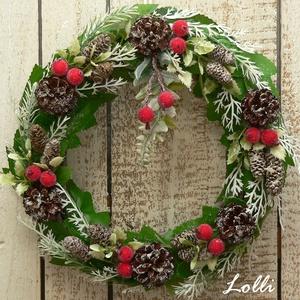 """Havas kis karácsonyi koszorú, Karácsony & Mikulás, Karácsonyi kopogtató, Minőségi selyemzöldekből készítettem ezt a kis koszorút, amit törpefenyő tobozokkal és  piros kis """"c..., Meska"""