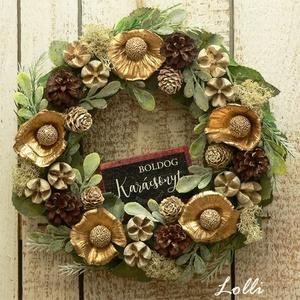 Karácsony bongóciába - kis karácsonyi koszorú, Otthon & Lakás, Karácsony & Mikulás, Karácsonyi kopogtató, Virágkötés, Bongóciába minden színaranyból van, még a fákon a termések is aranyból vannak...bizony ;)\nEzt a kis ..., Meska