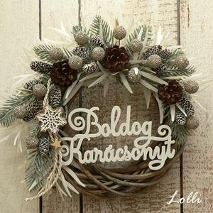 Deres tél koszorú, Otthon & Lakás, Karácsony & Mikulás, Karácsonyi kopogtató, Virágkötés, Minőségi selyemzöldekből készítettem ezt a deres koszorút, amit törpefenyő tobozokkal és csillogó ki..., Meska