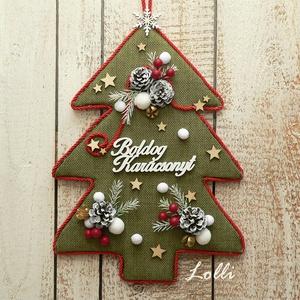 ÖrökZöld fenyő karácsonyi kopogtató - ajtódísz, Otthon & Lakás, Karácsony & Mikulás, Karácsonyi kopogtató, Virágkötés, Ez a kopogtató garantáltan örökzöld darab!\nHiszen kinek ne csalna azonnal mosolyt az arcára, ha az a..., Meska
