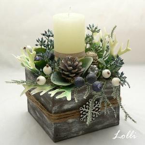 Karácsonyi gyertyás dísz, Karácsony & Mikulás, Karácsonyi dekoráció, Egy antikolt dobozba tettem egy ekrü gyertyát, köré mű szarvasagancs páfrányt, műleveleket, kék bogy..., Meska
