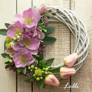 Virágos koszorú, Otthon & Lakás, Dekoráció, Ajtódísz & Kopogtató, Virágkötés, Prémium selyemvirágokkal - hunyor és tulipánokkal díszített vesszőkoszorú\n26cm átmérőjű impozáns ajt..., Meska