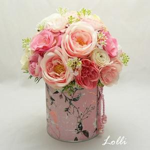 Rózsaszín rózsás virágdoboz virágbox virággomba, Otthon & Lakás, Dekoráció, Asztaldísz, Prémium minőségű virágokkal készült virágdoboz Magassága 21cm, a doboz átmérője 10cm, a kompozíció á..., Meska