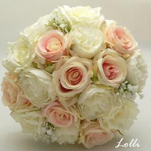 Rózsaszín-ekrü rózsás menyasszonyi örökcsokor, Esküvő, Menyasszonyi- és dobócsokor, Menyasszonyi- és dobócsokor, Menyasszonyi örökcsokor, prémium minőségű egyedi rózsaszín, és ekrü selyemrózsákból kötve. A csokor ..., Meska