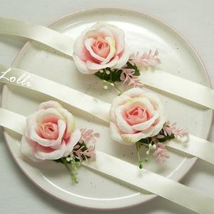 3db rózsaszín rózsás csuklódísz esküvőre, szalagavatóra, Esküvő, Ékszer, Karkötő & Csuklódísz, Minőségi selyemvirágokból készítettem ezt a kis rózsaszín rózsás csuklódíszt. mérete kb. 6cm A kiegé..., Meska