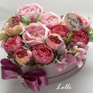 Angolrózsás szív selyemvirágdoboz, Otthon & Lakás, Dekoráció, Asztaldísz, Egy metál mályva szív alakú virágdobozba csodaszép púderszín selyem angolrózsákat, boglárkákat tette..., Meska