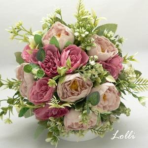 Mályva rózsás örökcsokor, menyasszonyi csokor, Esküvő, Menyasszonyi- és dobócsokor, Menyasszonyi- és dobócsokor, Menyasszonyi örökcsokor, prémium minőségű mályva selyemrózsákkal. A csokor átmérője 18cm A szár szín..., Meska