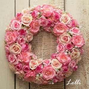 Pink rózsás selyemvirág koszorú, Otthon & Lakás, Dekoráció, Ajtódísz & Kopogtató, Pink selyemrózsákkal díszített, szalaggal bevont hungarocell koszorú. 28cm átmérőjű impozáns ajtódís..., Meska