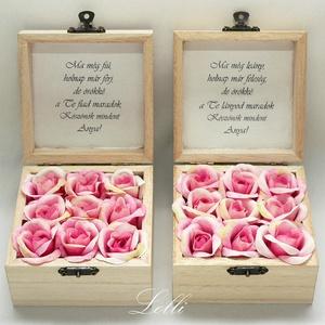 Szülőköszöntő mini selyemvirágdobozok párban, Esküvő, Emlék & Ajándék, Szülőköszöntő ajándék, Virágkötés, Decoupage, transzfer és szalvétatechnika, 9,5x9,5x6cm magas - méretű szülőköszöntő ládikók, \ntetejükön selyemvirág díszítéssel\nbelsejükben 9-9..., Meska