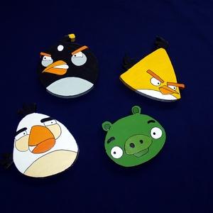 Angry Birds 4 db, Dekoráció, Otthon & lakás, Dísz, Falmatrica, Kép, Festett tárgyak, Gyerekszoba dekoráció!\nAnyaga 2 cm vastagságú polisztirol. Kétoldalú ragasztószalag segítségével leh..., Meska