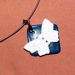 Akció! 1 db áráért 2 db  Fehér pillangó kerámia  ékszer, Ékszer, Nyaklánc, Táska, Divat & Szépség, Kerámia, Egy darab kerámia ékszer vásárlása esetén, választhatsz még egy  ékszert ajándékba. Abban az árkateg..., Meska