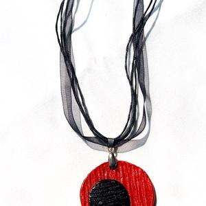 Akció! 2 db áráért 3 db Vörös és fekete  nyaklánc. Az ajándék választott! - ékszer - nyaklánc - medálos nyaklánc - Meska.hu