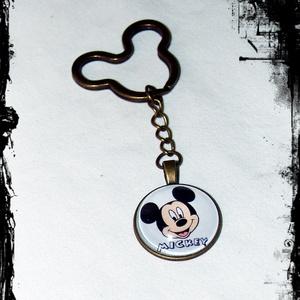 Mickey egér üveglencsés kulcstartó, Kulcstartó, Kulcstartó & Táskadísz, Táska & Tok, Ékszerkészítés,  \nMickey egér antikolt bronz színű üveglencsés kulcstartó\n\nÜveglencse mérte: 25 mm\nMedál mérete: 27 ..., Meska