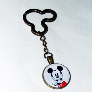 Mickey egér üveglencsés kulcstartó, Ékszer, Otthon & lakás, Táska, Divat & Szépség, Kulcstartó, táskadísz, Ékszerkészítés,  \nMickey egér antikolt bronz színű üveglencsés kulcstartó\n\nÜveglencse mérte: 25 mm\nMedál mérete: 27 ..., Meska
