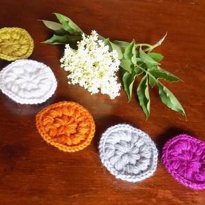 Arctisztító korong öt darab öt színben, Arctisztító korong, Arcápolás, Szépségápolás, Horgolás, Egy garnitóra 5 különböző színböl áll : fehér, szürke, mustársárga, lila, narancssárga - így akár sz..., Meska