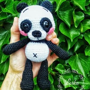 Horgolt Panda, Gyerek & játék, Játék, Játékfigura, Aranyos kis  panda, hű társa lehet bármelyik picúrnak, hiszen aki csak ránéz jobb kedvre derül.  Mér..., Meska
