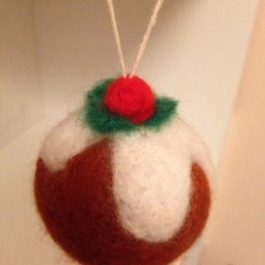 Nemez karácsonyi dísz., Művészet, Textil, Egyéb, Nemezelés, Nemezből készítettem karácsonyi díszeket. Praktikus kisgyermekes családnak, vagy aki különleges kará..., Meska