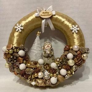 Karácsonyi kopogtató, Karácsony & Mikulás, Karácsonyi dekoráció, Mindenmás, Újrahasznosított alapanyagból készült termékek, Gyönyörű, termésekkel, és egyéb kiegészítőkel díszített karácsonyi kopogtató.\nAz alapja szalma koszo..., Meska
