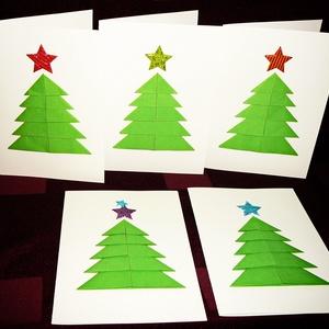 3D-s KARÁCSONYI ÜDVÖZLŐLAP / ÜDVÖZLŐKÁRTYA, ajándékkísérő, képeslap (zöld fenyő), Ajándékkísérő, Papír írószer, Otthon & Lakás, Papírművészet, Fehér kartonpapír alapra origami technikával készített fenyőfa (borítékkal)\nA karácsonyi ajándék mel..., Meska