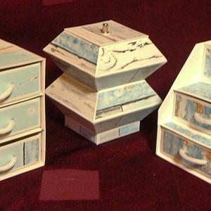 Ékszerdoboz / írószertartó szett /fehér alapon/, Dekoráció, Otthon & lakás, Dísz, Papírművészet, Doboz-szett /fehér alapon/\n\nKartonpapírból készült, TARTÓS, igényesen kialakított, különböző formájú..., Meska