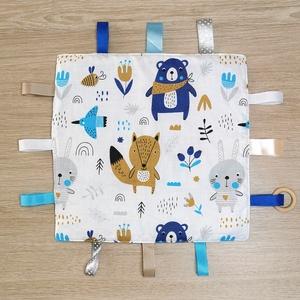 """Cimkekendő \""""kék-szürke macis nyuszis\"""" szürke minky-vel, Játék & Gyerek, 3 éves kor alattiaknak, Készségfejlesztő, Varrás, A készségfejlesztő cimkekendő minden baba figyelmét felkelti. A különböző színek, anyagok és címkék ..., Meska"""