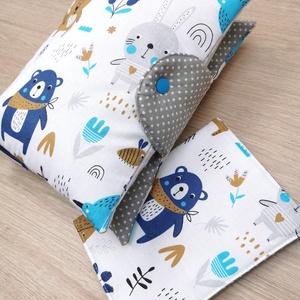 """Baba látogató ajándék csomag 2 db-os \""""kék-szürke macis nyuszis\"""", Játék & Gyerek, Babalátogató ajándékcsomag, Varrás, Baba látogató ajándék csomag tartalma:\n- utazó pelenkatartó táska (26x40)\n- eü. kiskönyv borító (18x..., Meska"""