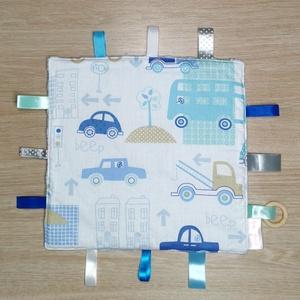 """Cimkekendő \""""kék autós\"""" , Játék & Gyerek, 3 éves kor alattiaknak, Készségfejlesztő, Varrás, A készségfejlesztő cimkekendő minden baba figyelmét felkelti. A különböző színek, anyagok és címkék ..., Meska"""