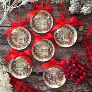 Karácsonyfa dísz szett - Mikulás tájképpel, Otthon & Lakás, Karácsony & Mikulás, Karácsonyfadísz, Decoupage, transzfer és szalvétatechnika, Szeretnéd feldobni a karácsonyi dekorációt egy igazán egyedi szettel? Ez az egyik karácsonyfadísz ös..., Meska