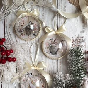 Karácsonyfadísz szett - Madarak, Otthon & Lakás, Karácsony & Mikulás, Karácsonyfadísz, Decoupage, transzfer és szalvétatechnika, Szeretnéd feldobni a karácsonyi dekorációt egy igazán egyedi szettel? Ez az egyik karácsonyfadísz ös..., Meska
