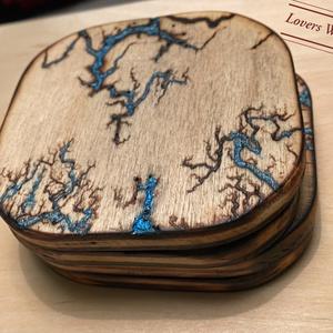 Egyedi poháralátét csomag Lichtenberg módra, Otthon & Lakás, Dekoráció, Asztaldísz, Famegmunkálás, Egyedi fraktál ábrákkal díszített poháralátét csomag, mely alátét funkciója mellett az asztal díszek..., Meska
