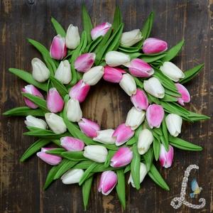 Rózsaszín-fehér tulipán koszorú, Otthon & Lakás, Dekoráció, Ajtódísz & Kopogtató, Virágkötés, 35 cm-es hungarocell alapra készítettem el ezt a koszorút. 38 db élethű szilikonból készült rózsaszí..., Meska