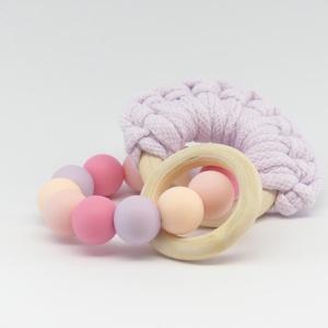 Marokrágcsa / rágókarika - Pólófonalas - Rózsaszín/lila, Gyerek & játék, Baba-mama kellék, Ékszer, Nyaklánc, Játék, Baba játék, Ékszerkészítés, Gyöngyfűzés, gyöngyhímzés, Rózsaszín - lila - barack színekből összeállított szilikon marokrágcsa, melyre egy pólófonalas rágók..., Meska