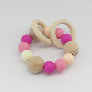 Marokrágcsa / rágókarika - Pink, Rágóka, 3 éves kor alattiaknak, Játék & Gyerek, Ékszerkészítés, Gyöngyfűzés, gyöngyhímzés, Pink - rózsaszín - krém színekből összeállított szilikon marokrágcsa, melyre két fa karika lett fűzv..., Meska