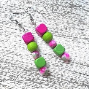 Pink-green- fülbevaló, Ékszer, Fülbevaló, Gyöngyfűzés, gyöngyhímzés, Ezt a vidám, egyedi fülbevalót kb 8mm-es színes fa gyöngyökből,illetve zöld-pink jáspisból készített..., Meska