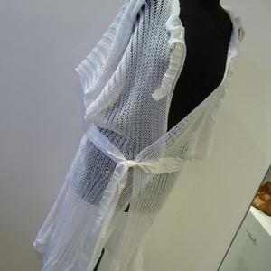 Fehér áttört mintás   kötött kabát, Táska, Divat & Szépség, Női ruha, Ruha, divat, Kabát, Kötés, Varrás, Tavaszi -nyári  könnyű viselet ez az áttört mintás  gépi kötéssel készült kötött kabát.  Nyakát  és ..., Meska