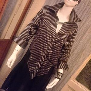 Ezüst-fekete csikos kombinált tunika, Tunika, Női ruha, Ruha & Divat, Varrás, Kétféle anyag kombinációjával készitettem ezt a tunikát.Felül ezüst fekete csikos ,alul fekete áttet..., Meska
