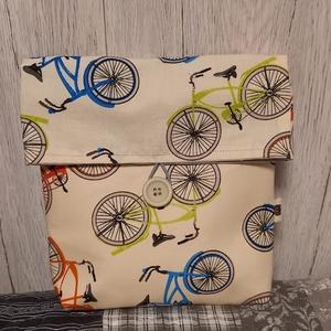 Bicajok :) bicikli kormánytatyi, roller kormánytatyi, Táska & Tok, Biciklis & Sporttáska, Biciklis táska, Varrás, Ez a praktikus kistáska bicajosok rolleresek számára készült :) 21X22 cm nagyságú, talpszélessége 4 ..., Meska