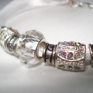 NO POSTA! Pandora  üvegkristály, fehér szaténszalagon - karkötő (madaikati) - Meska.hu
