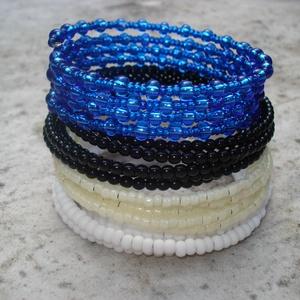 Fekete, fehér, kék, sárga - karkötő szett (madaikati) - Meska.hu