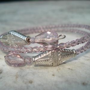 Inka liliom - karkötő, Ékszer, Esküvő, Fülbevaló, Ékszerkészítés, Ezüst színű rombusz fém köztes és  halvány rózsaszín csiszolt üveggyöngyökből készítettem ezt az ele..., Meska