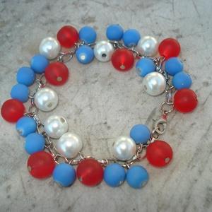 Piros-kék-fehér gyöngyös karkötő (madaikati) - Meska.hu