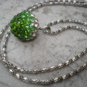 Zöld színátmenetes shamballa medál láncon (madaikati) - Meska.hu
