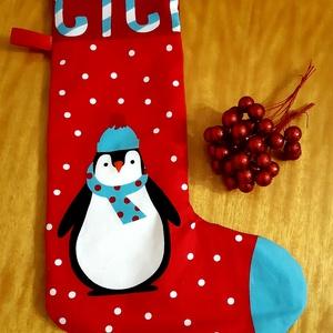 Pingvines mikulás csizma, Otthon & Lakás, Karácsony & Mikulás, Mikulás, Varrás, Pingvin mintás anyagból készült, nagyméretű mikulás csizma. A hátoldala piros textilből készült, feh..., Meska