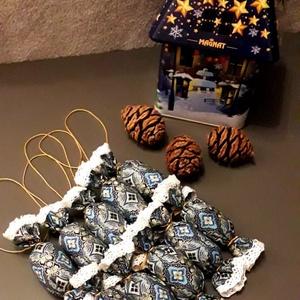 Kék textil szaloncukor szett (10 db), Karácsony & Mikulás, Karácsonyfadísz, Varrás, TEXTIL SZALONCUKOR\n\nEgyedi textil szaloncukrok eladók karácsonyfadísznek vagy tökéletes ajándékkísér..., Meska