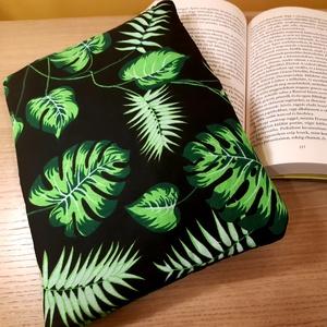 Növényes könyvtok (fekete), Otthon & Lakás, Papír írószer, Könyv- és füzetborító, Varrás, Te is könyvmoly vagy és félted a könyveidet? Neked is fáj a szíved, mikor cipekedés során a könyvbor..., Meska