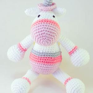 Horgolt unicornis-Nico, Unikornis, Plüssállat & Játékfigura, Játék & Gyerek, Horgolás, Nico, az unikornis bármely kislány kedvence lehet.\nNem csak cuki, de mindenhová elkísérheti kis tula..., Meska