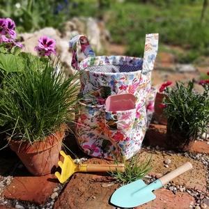 Kerti szerszámostáska, Otthon & Lakás, Ház & Kert, Szerszám & Eszközök, Varrás, Virágos szerszámos táska kertészkedőknek. Elfér benne minden, ami a kertészkedés alatt kell: szerszá..., Meska