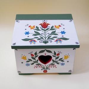Hagyományos stílusú, mesés hangulatú, menyasszonyi láda,  tulipános festett fa ládikó, tulipános láda magyar motívumos - Meska.hu