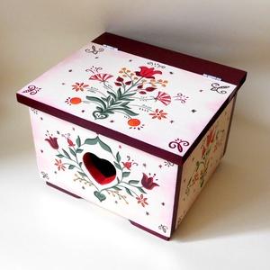 Hagyományos stílusú, mesés hangulatú, menyasszonyi láda,  tulipános festett fa ládikó, magyar motívumos tulipános láda, Esküvő, Emlék & Ajándék, Festett tárgyak, Famegmunkálás, A hagyományos stílus kedvelőinek \nmasszív, fa ládika 28 x 25 x 19.5 cm, sokféle dolog belefér akár a..., Meska